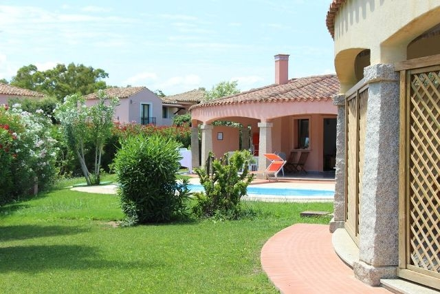 Villas with Pool in Costa Rei