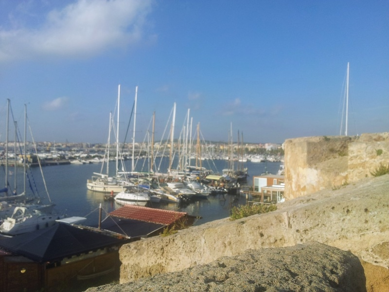 Alghero and surroundings - travelling with friends